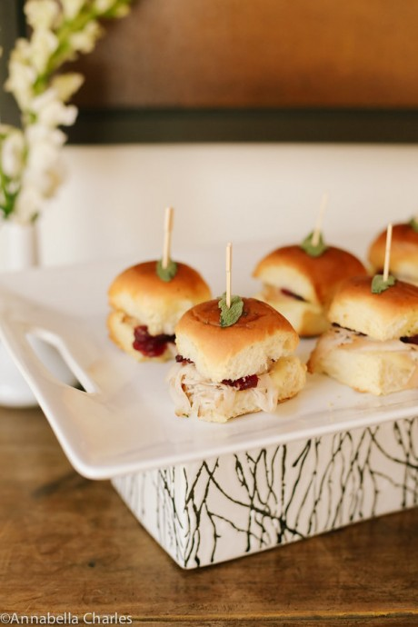 Happy Friendsgiving: modern Thanksgiving hors d'oeuvres | JJ Keras Lifestyle
